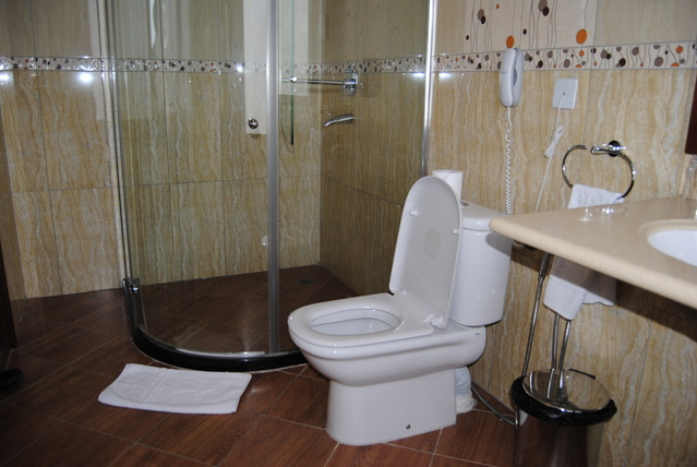 moph_suite_room_washroom
